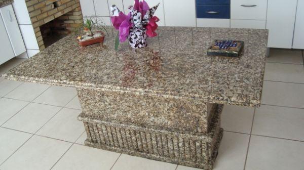 Mesas de granito amarelo floren a marmoraria exata for Empresas de granito